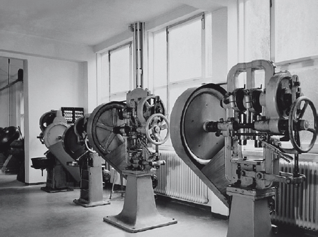 Machines in the new building from 1955 in Bad Homburg.